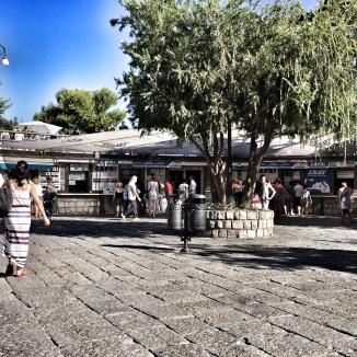 Ticket booths at Marina Piccola.